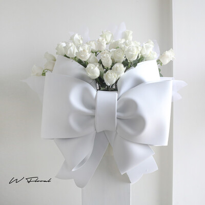 Rosette Luxe White Rose