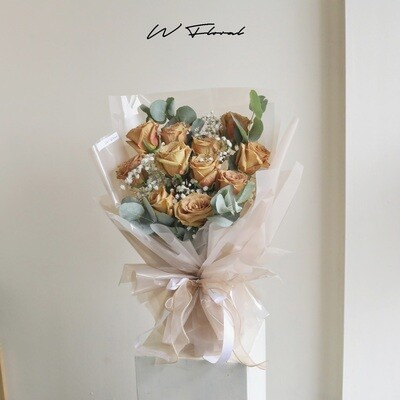11 Toffee Rose Bouquet