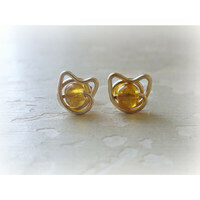 CAT LOVERS: Amber and gold cat ears stud earrings