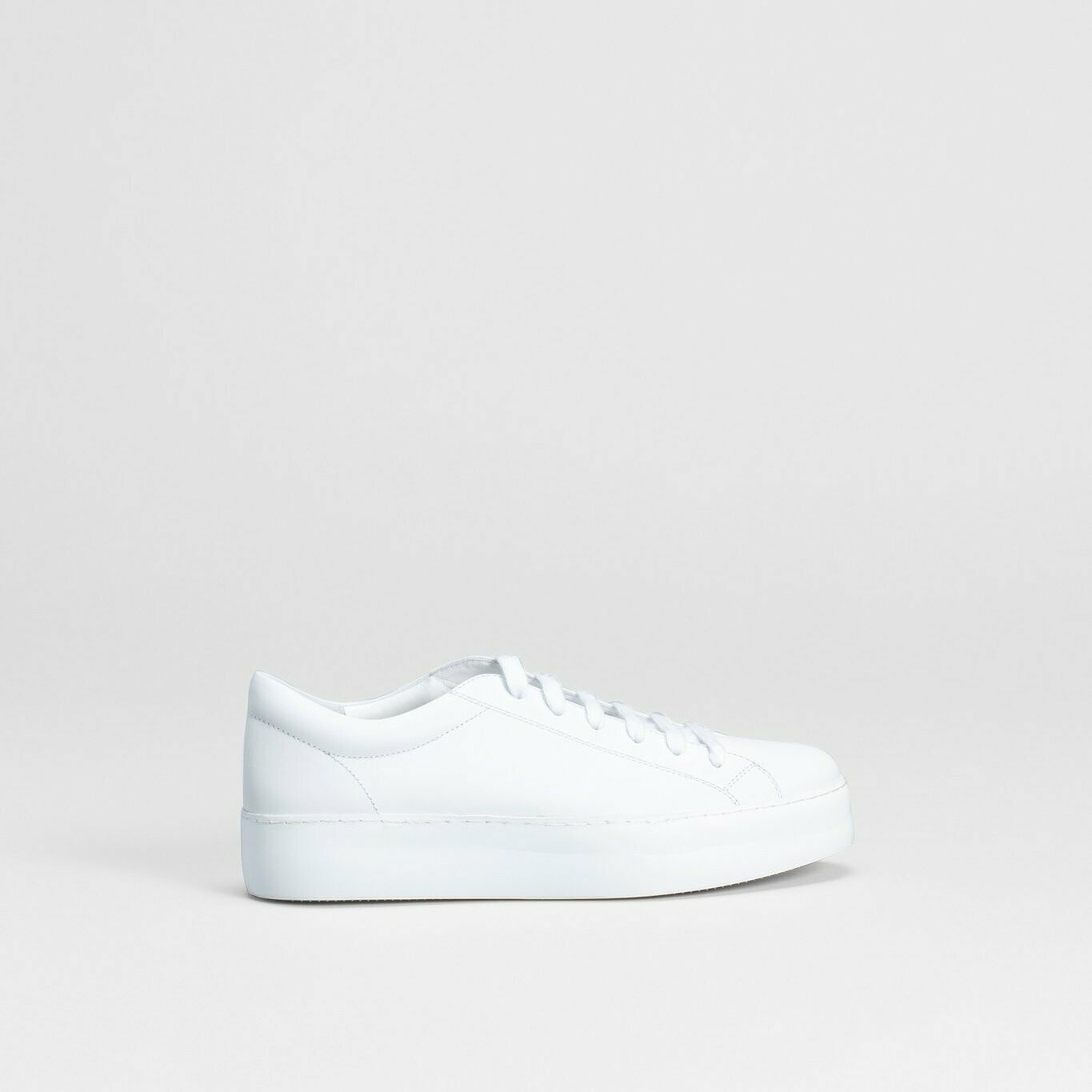 Vikran Sneaker - White (Size 39 and 42 left)