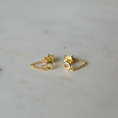 Oh Chain Stud Earrings - 14kt Gold Plated