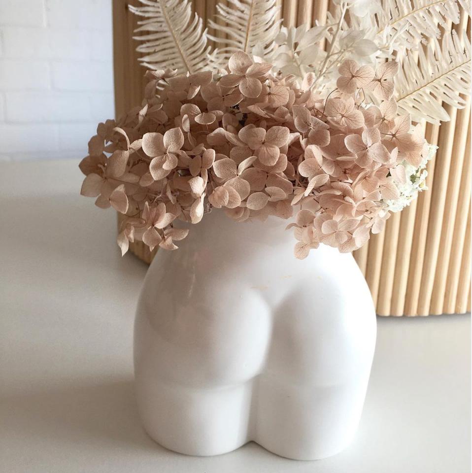 Peachy Vase - Ivory