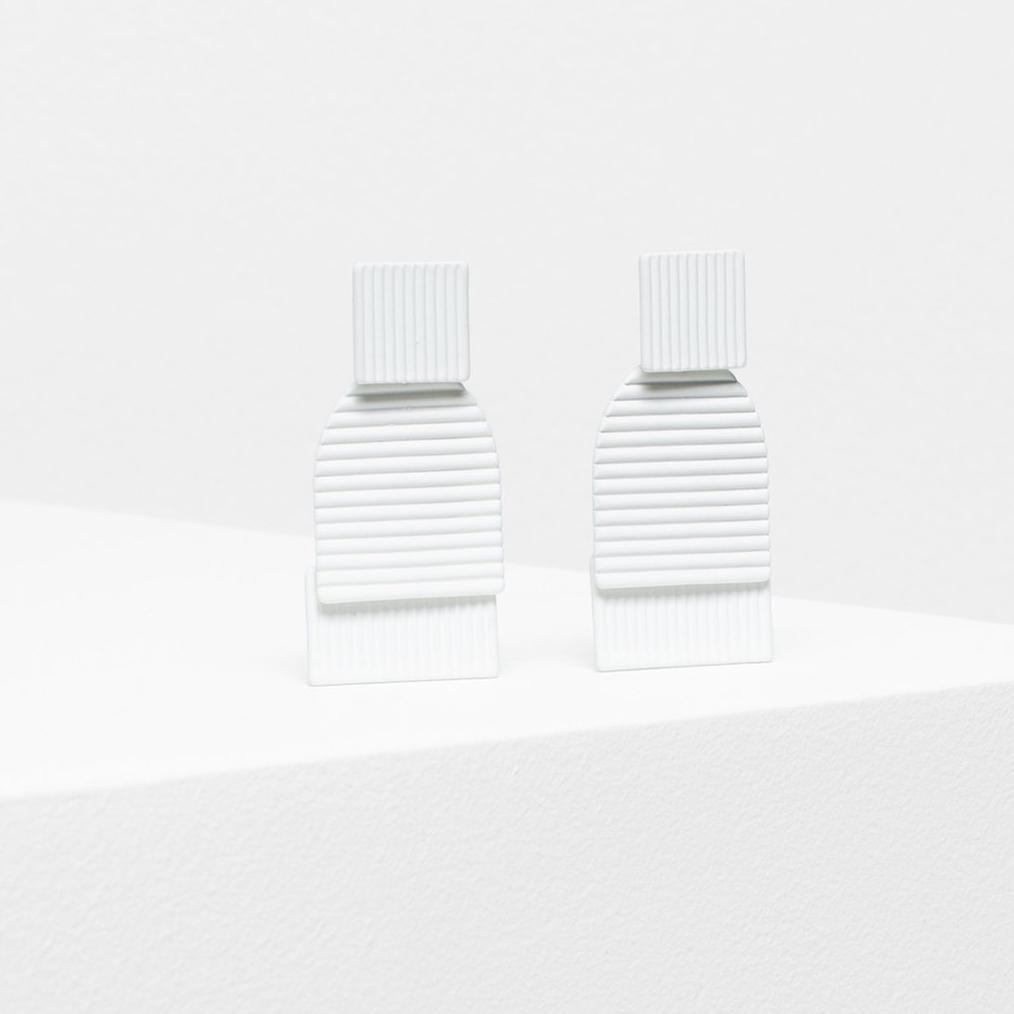 Rakenne Drop Earring - White