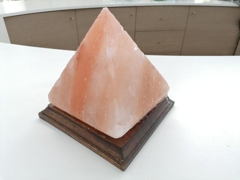 Λάμπα από Αλάτι Ιμαλαΐων Πυραμίδα Μικρή