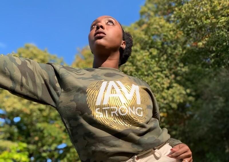 IAM STRONG (CAMO)