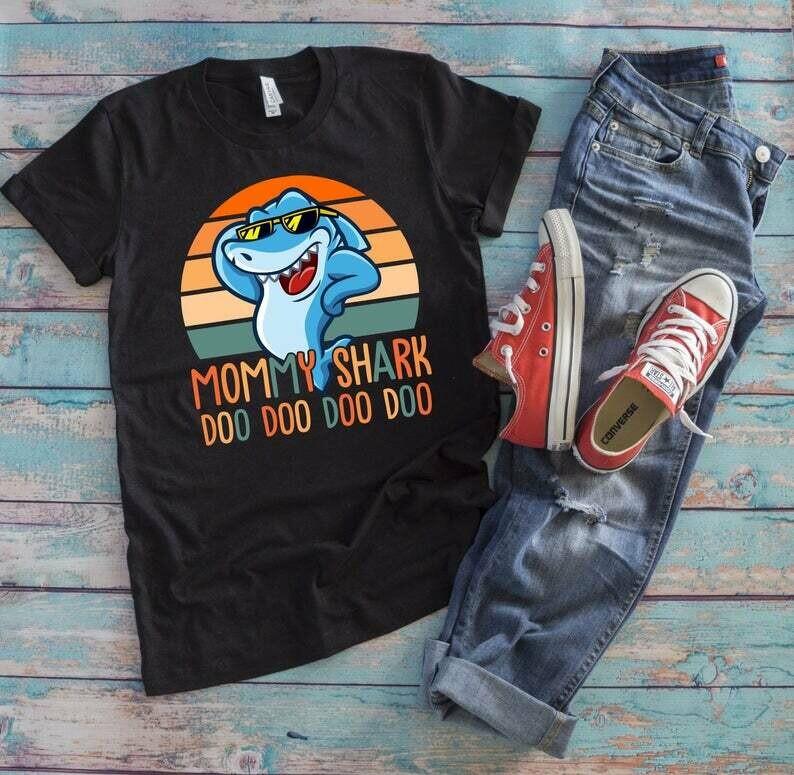 Mommy Shark Doo Doo Doo T-Shirt, Shark T Shirt, Mom Shark Shirt, Mama Shark T-Shirt, Mommy Doo Doo Shirt