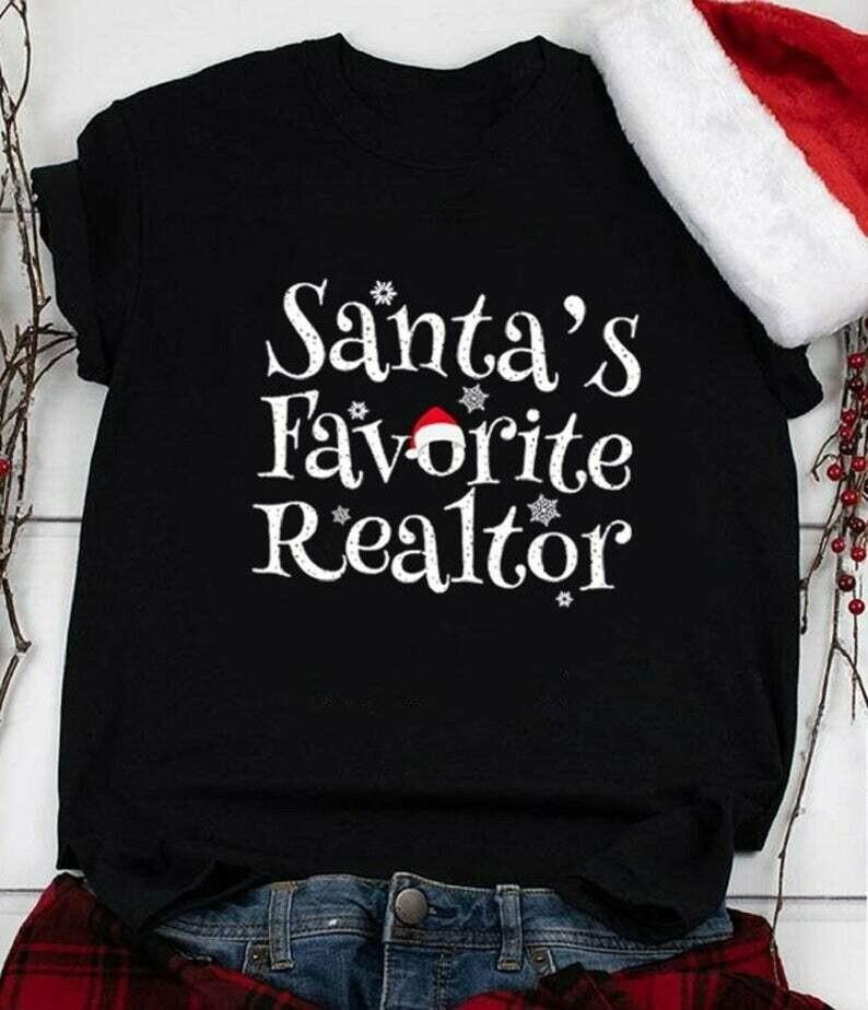 Santa's favorite realtor shirt , Santa Christmas t-shirt, funny christmas shirt, christmas gift, Unisex t-shirt, christmas gift idea,christmas shirt,Santa's favorite realtor, Christmas t-shirt, christ