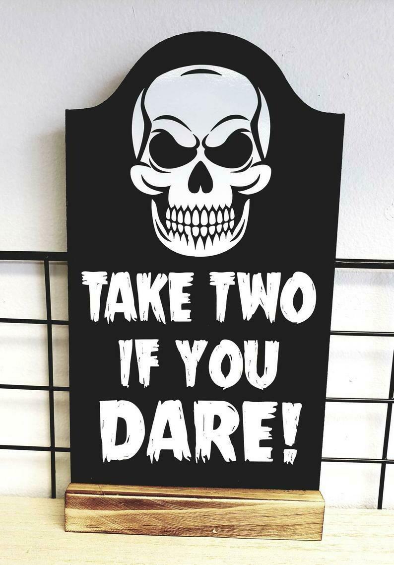 Halloween Skull Sign