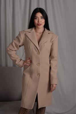 Приталенное пальто из бежевой шерсти