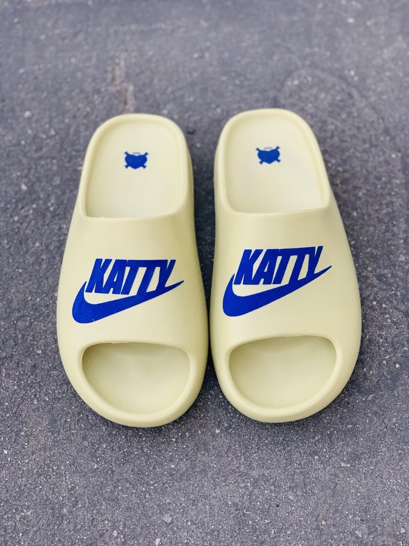 Blueberry/ Cream Katty Slides