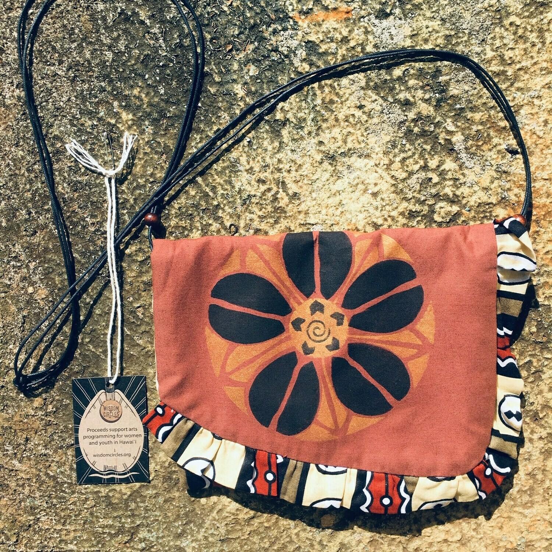 Ruffle Purse - Cowrie Flower
