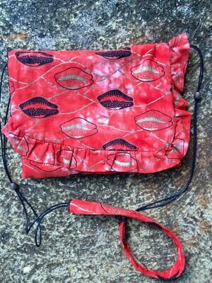 Ruffle Purse - Red Cowrie