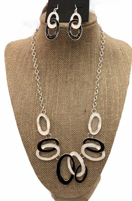 Black White Necklace & Earrings Set