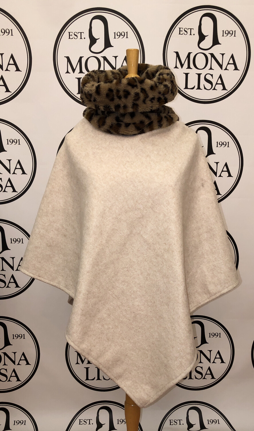 Leopard Faux Fur Collar Wooly Poncho Ivory