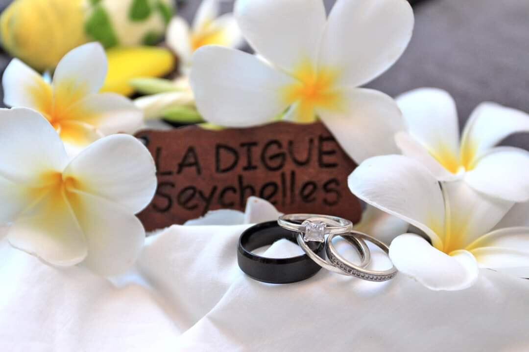 PRASLIN / LA DIGUE Fotoshooting/ Hochzeits-Shooting 1h, Vanessa Lucas - Nessas Photography, PREIS: 280€, Anzahlung: