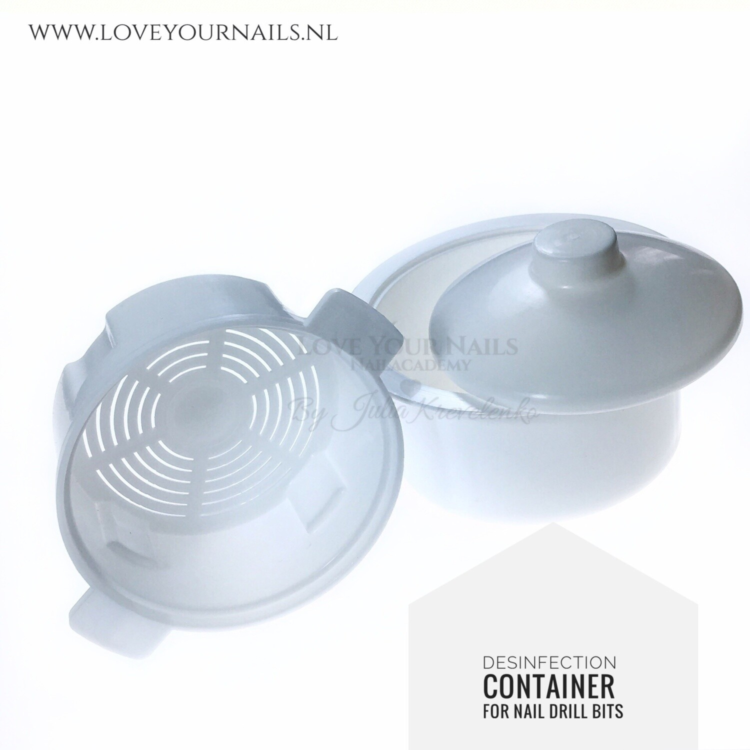 Disinfection container for bits
