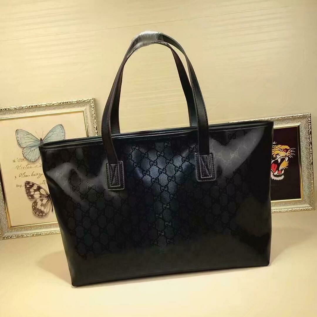 Gucci *Authentic Quality* Soft Shopper Tote