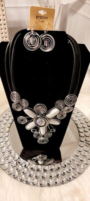 Wired Silver Necklace Set