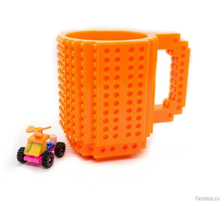 Кружка в стиле Лего 350 мл. оранжевая с мини набором