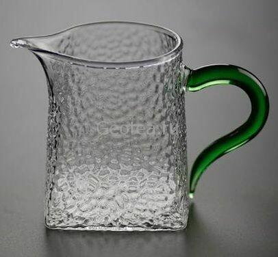 """Ча Хай / Сливник """"Мятое стекло"""" с зеленой ручкой, 300мл."""