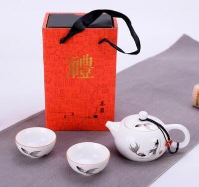 """Подарочный набор / сервиз """"Хоровод рыбок"""" чайник 180мл. и 2 пиалы, фарфор"""