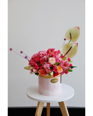 Sweet Heart Flowers Arrangement With Box