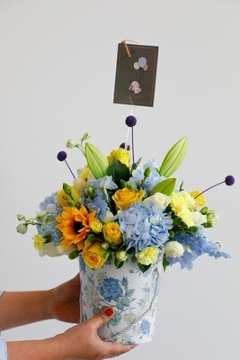 Mix Sunshine Flowers With Box