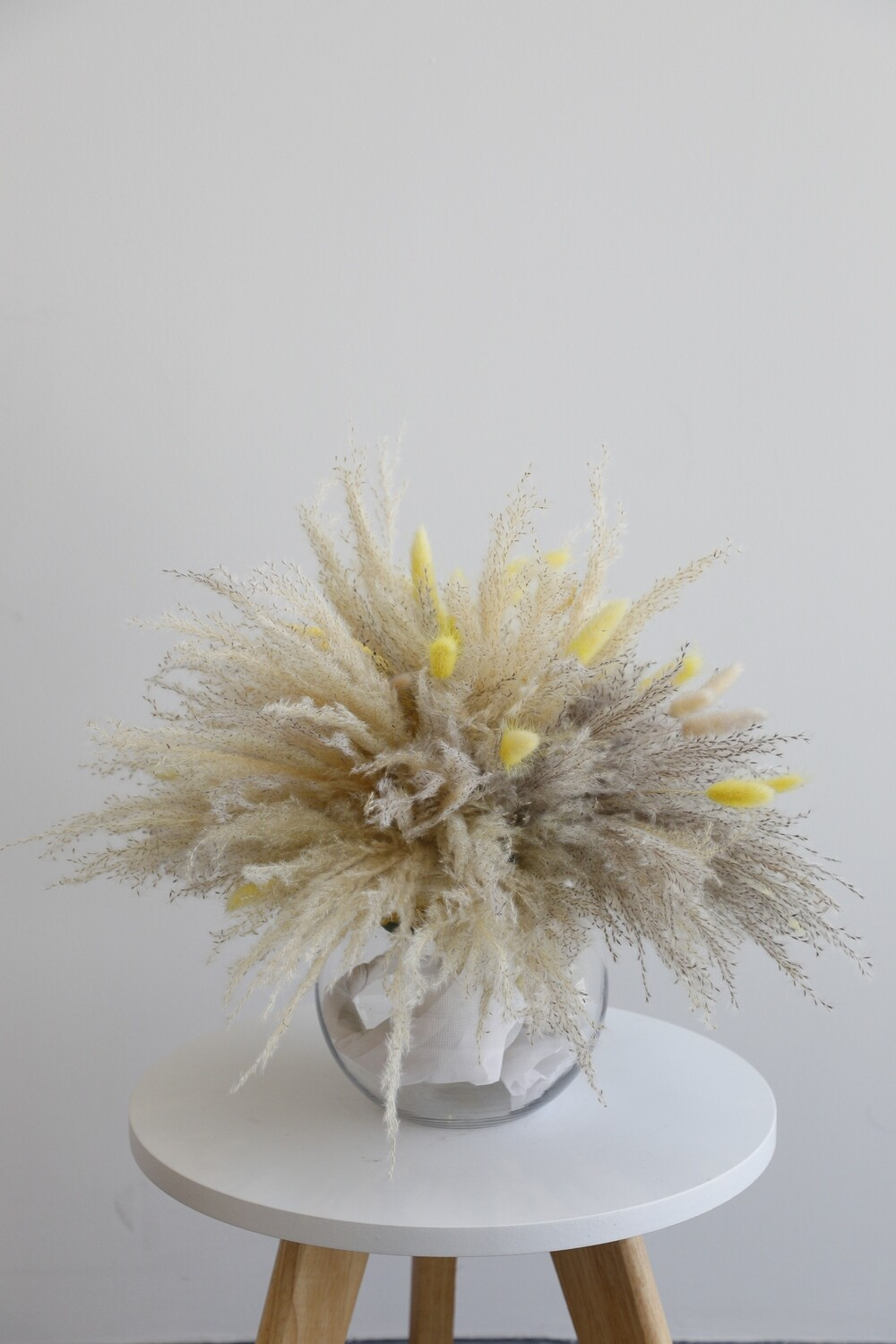 Dry Flowers Arrangement With Glass