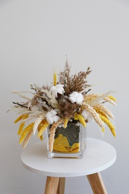 Dry Flowers arrangement With Square Vase
