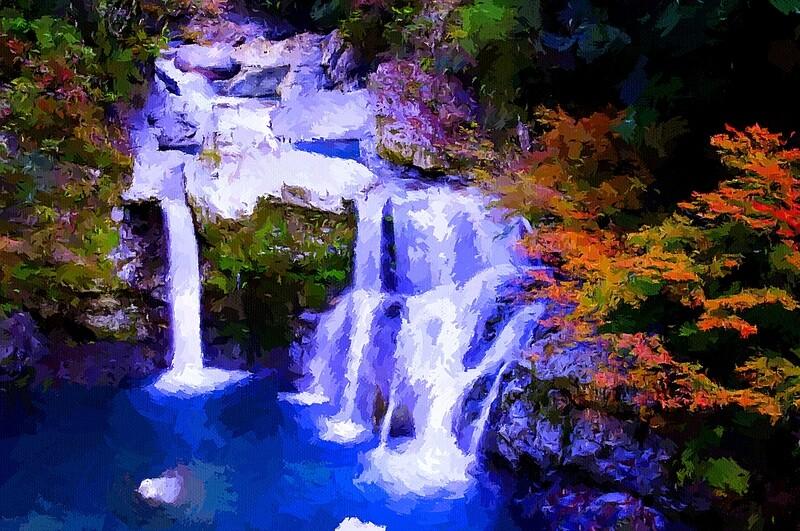 Живописный водопад