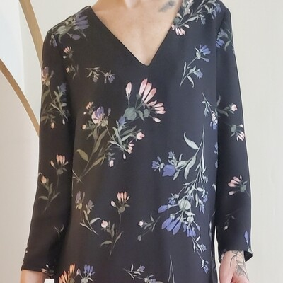 Robe basique avec motif de fleurs (XS)