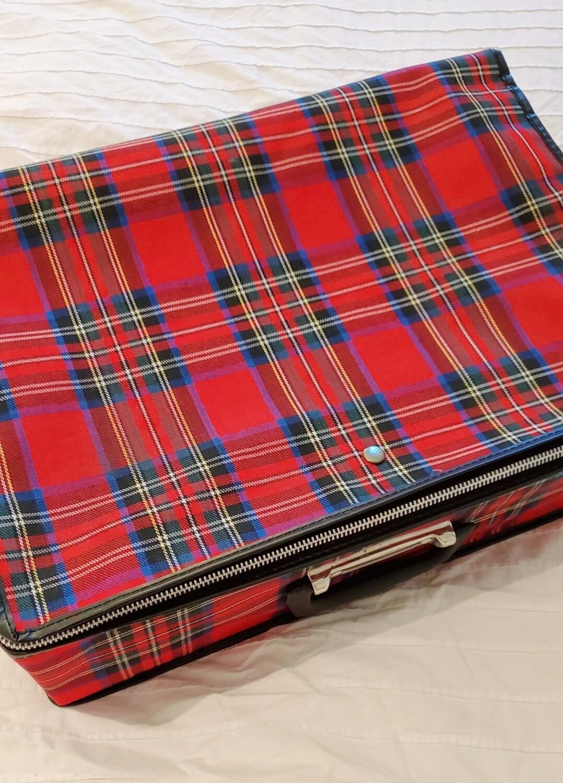 Petite valise grunge a zipper