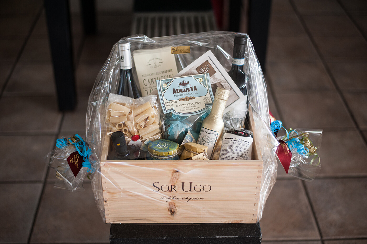 Gourmet Geschenkbox mit Wein
