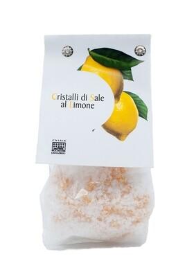 Meersalz Kristalle mit Zitrone