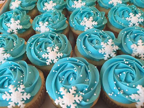 Winter Wonderland Cupcakes (5+) - Kids School Holiday Workshop - Monday 28 June 2021 (10am - 12pm)