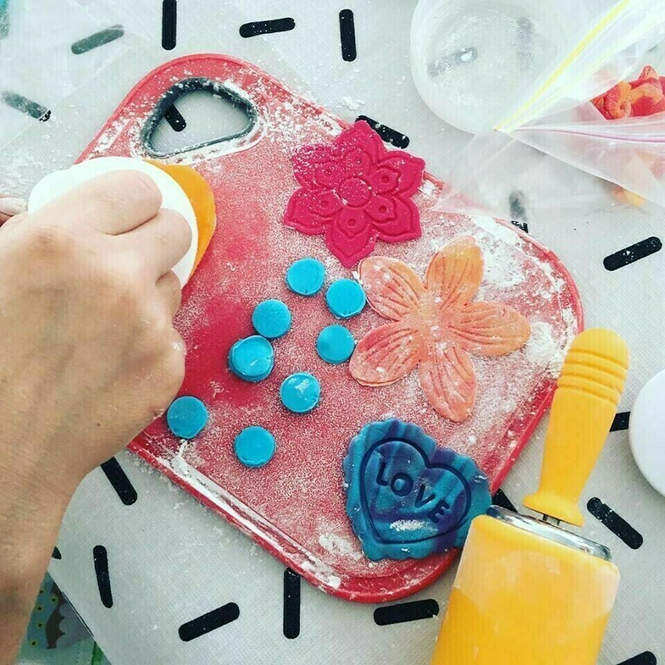 FREESTYLE CUPCAKE DECORATING PARTY