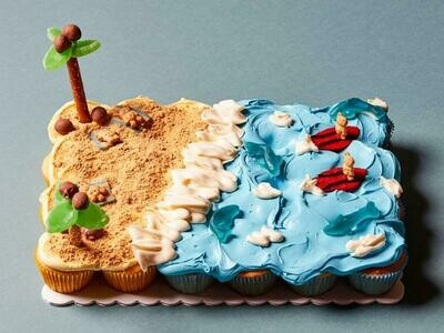 Beach Scene Pull-Apart Cupcake Cake - School Holiday Workshop for Kids - Friday 15th January 2021 (9.30am - 11am)