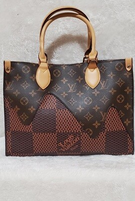LV Monogram Checkered Pursenality
