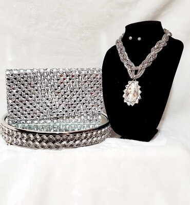 Glamorous Girl Classy Clutch and Necklace Set