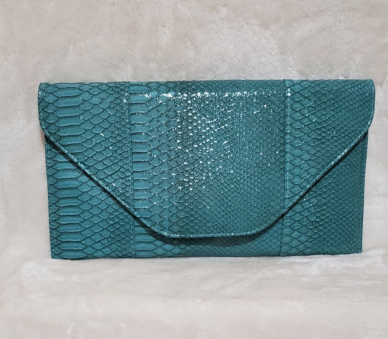 Turquoise Sea Arm/Wrist Clutch