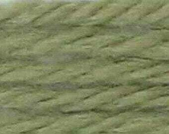DMC486 Tapestry Wool Skein 7928 - Very Light Grey Green