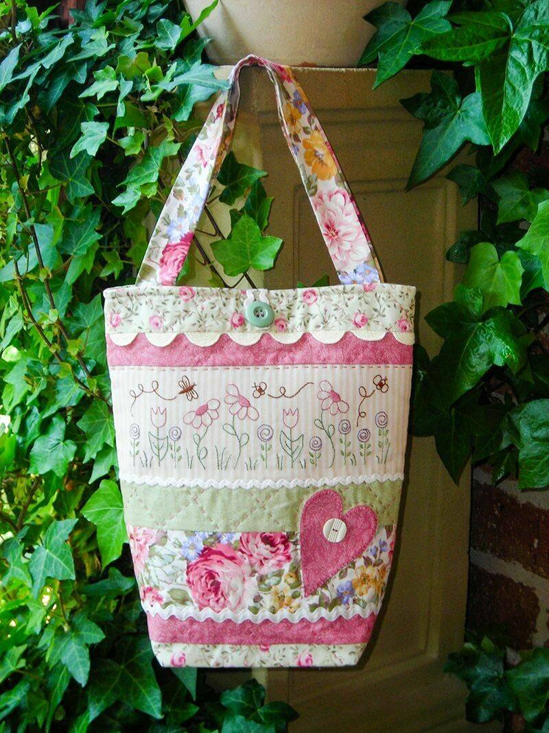 The Rivendale Collection - Ric Rac & Blooms Bag