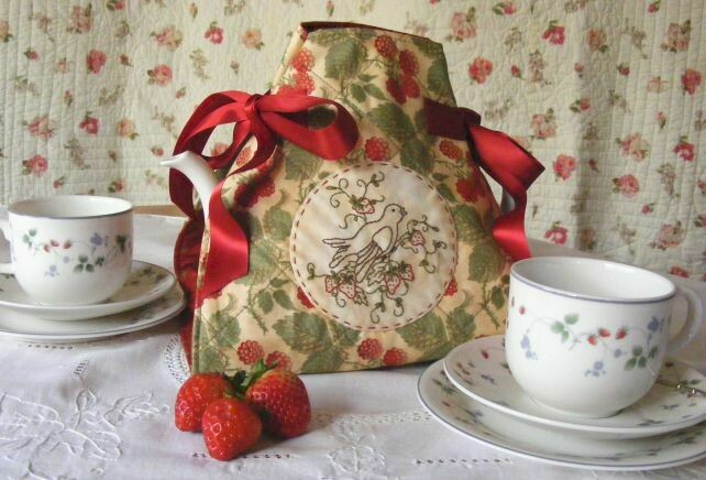 Petals & Patches - Teatime Memories Tea Cosy