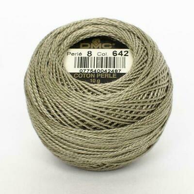 DMC116 Perle 12 Ball 0642 - Dark Beige Grey
