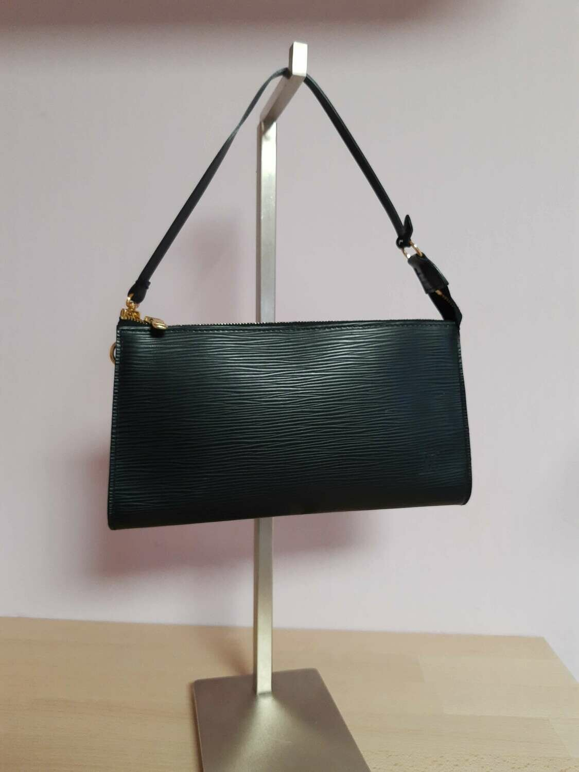 Louis Vuitton Epi Leather Pochette Black