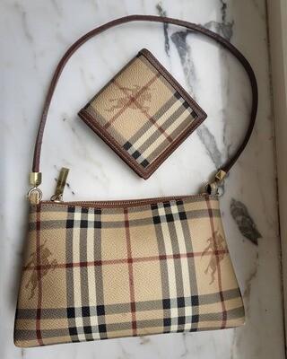 Burberry pochette + wallet
