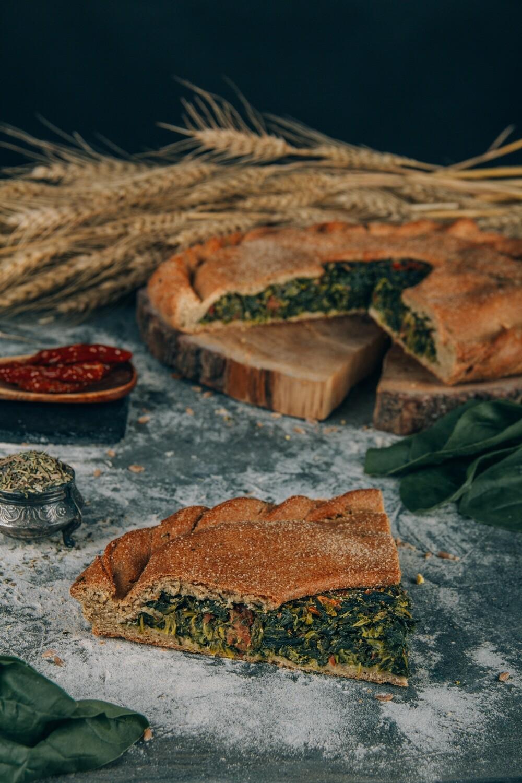 Пирог Шпинат с вялеными томатами
