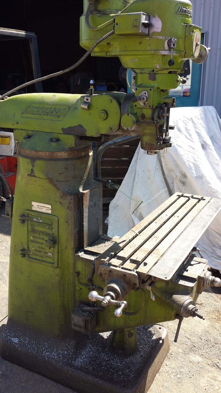 Fraiseuse Bridgeport / Milling Machine with Digital Read Out