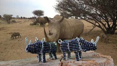 Kleine Kunstwerke aus Namibia - Nashorn