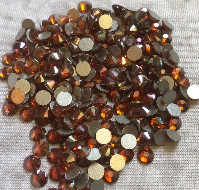 Burgundy - KiraKira Glass Rhinestones by CrystalNinja